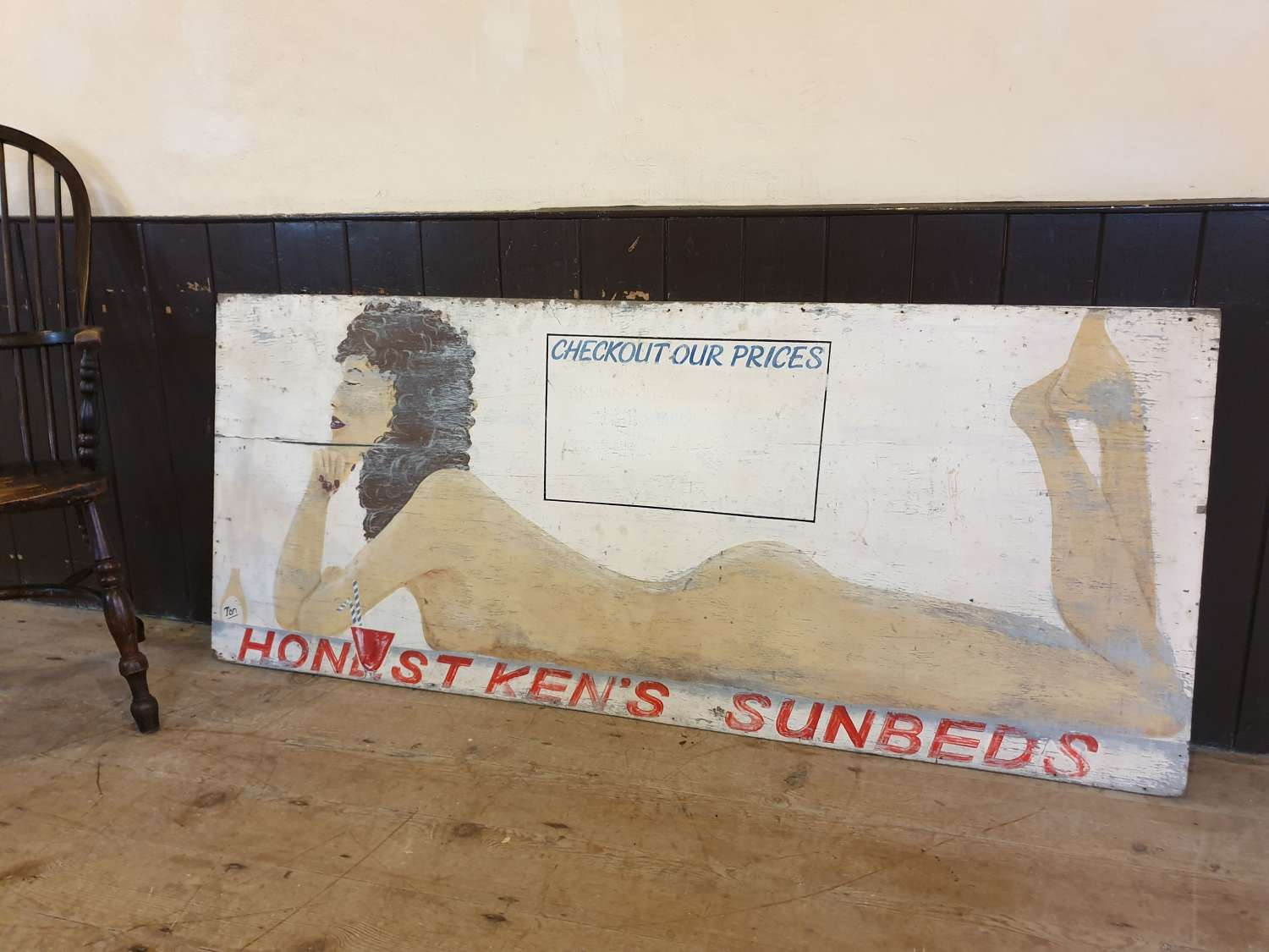Large Wooden Painted Sunbeds Sign