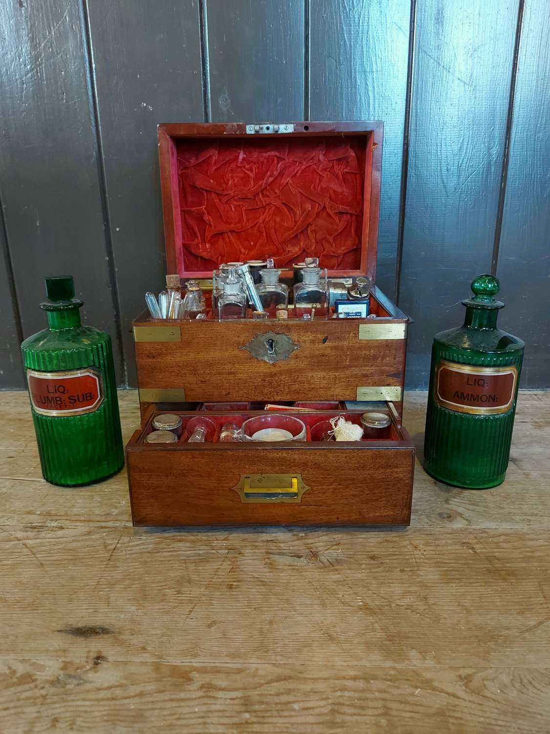Doctors Apothecary Home/Travel box